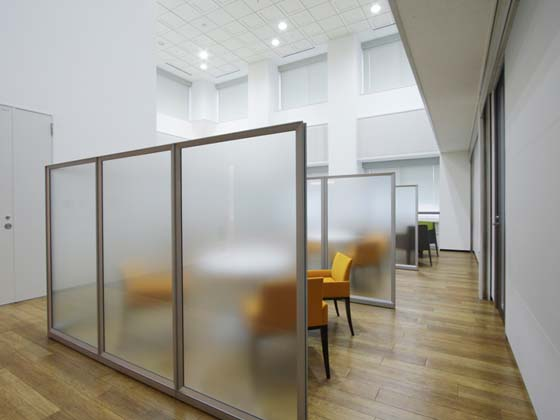 Kirin Kyowa Foods Company, Limited/【Communication area】(Meeting space) An open space for meeting with visitors.