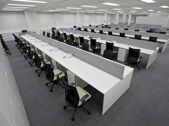 Kirin Kyowa Foods Company, Limited/【Office area】(Office area) A universal layout is achieved with tables and benches.