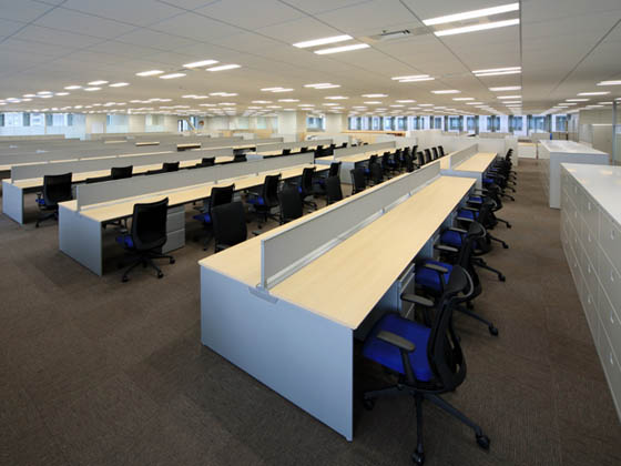 General Materials Manufacturer/【Office area】There are no objects to obstruct the field of vision for an office area with an open feel.