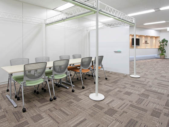 JR Tokai Corporation/【Communication area】This area can be used flexibly depending on the number of discussion participants and objective.