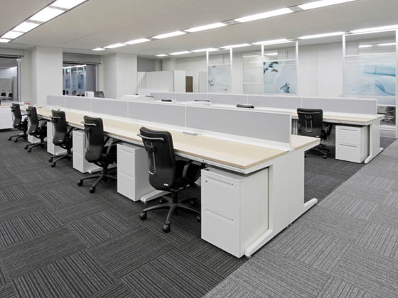 JR Tokai Corporation/【Office area】The office area has an open and expansive design.
