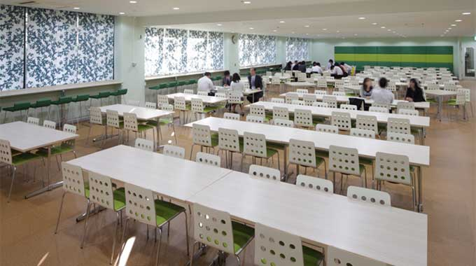 MS & AD Systems Company, Limited/【Café area】Café area inspired by the corporate colors and accenting green