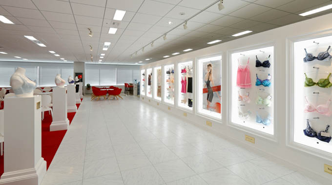 Triumph International (Japan) Ltd./【Showroom】This showroom is designed to look like a gallery and displays underwear. Busts wearing underwear are displayed in the manner of sculptures.