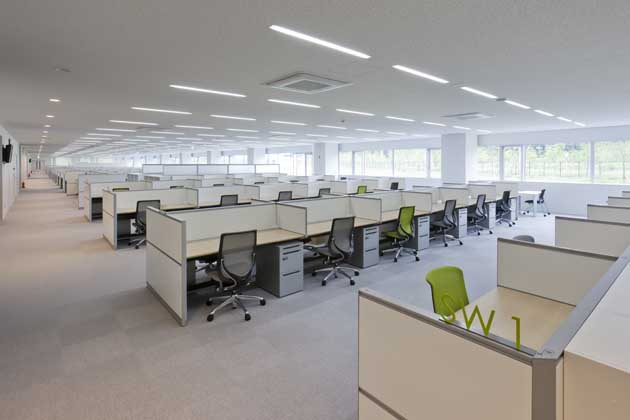 Tokyo Electron Miyagi Limited/【Office area 2】This is a booth-type workstation placing importance on an environment good for concentration. (For development workers)