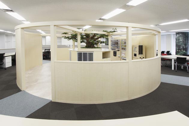 SEKISUI HEIM Chubu Co. Ltd./【Magnet space】A magnet area set up in the center of the office
