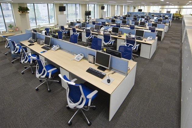NTT West Kumamoto Branch/【Office area】A flexible office environment (for the planning and technology divisions) which sets desk standards