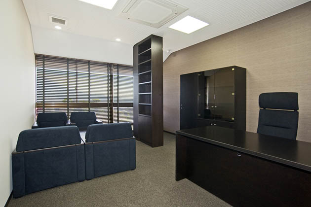 SHIMADZU LIMITED/【Executive area】The other executive rooms are also unified with similar interiors