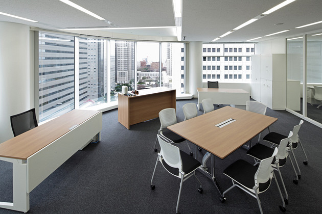 IBJ, Inc./【Executive area】The offices of the president and vice president are both simple and functional.