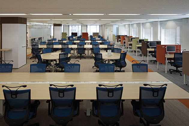 office area design. Pharmaceutical Company; Company/【Office Area】Open, Expansive Free-address Seating With All Office Area Design R