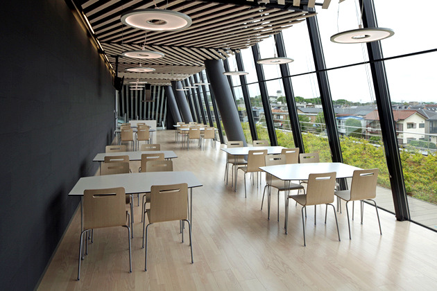 JA Tokyo Musashi/【Lounge】Adjoining the conference room, this space is also used as a cafeteria lounge