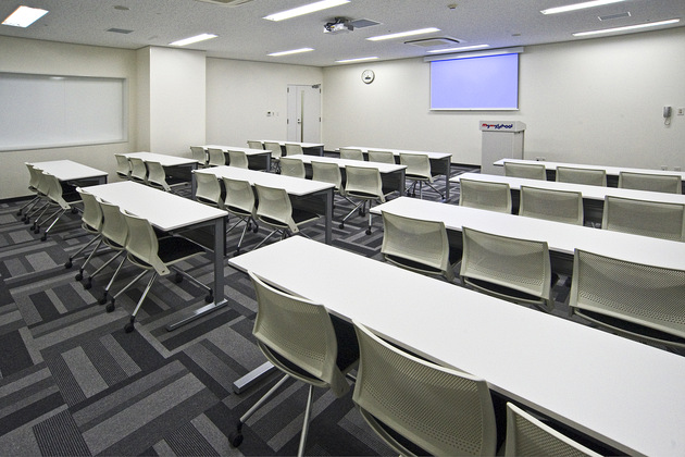Mymy School Co., Ltd./【Classroom 3】All classrooms have a fully equipped AV system.