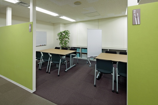 Cleanup Corporation/【Project room】An affinity for the space is nurtured with room plates featuring a mascot character.