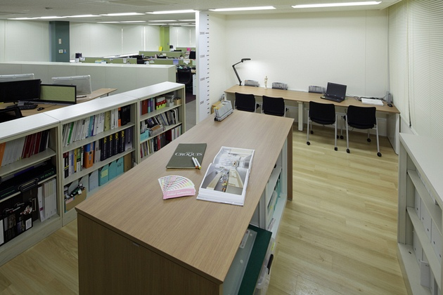 Cleanup Corporation/【Work/concentration corner】This work corner is easy to use for both groups and people working alone.