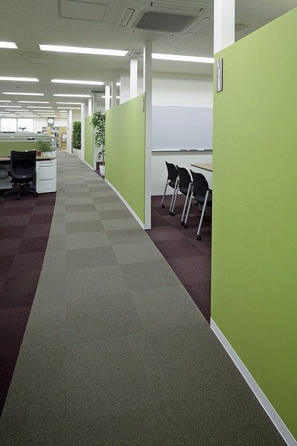 """Cleanup Corporation/【Office area】The Cleanup """"Smile"""" is embodied in the arc-shaped design."""