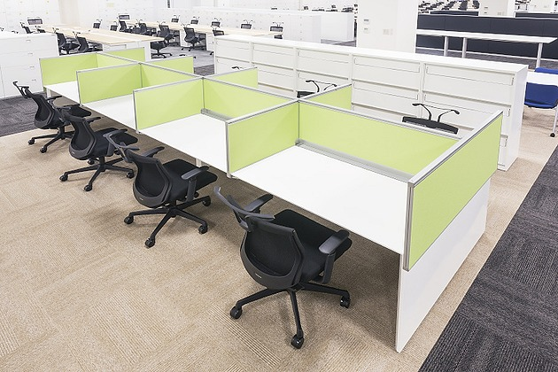 Life Corporation/【Concentration/library corner】Usable by up to eight people, this is a space for intensive tasks and the viewing of trade journals.