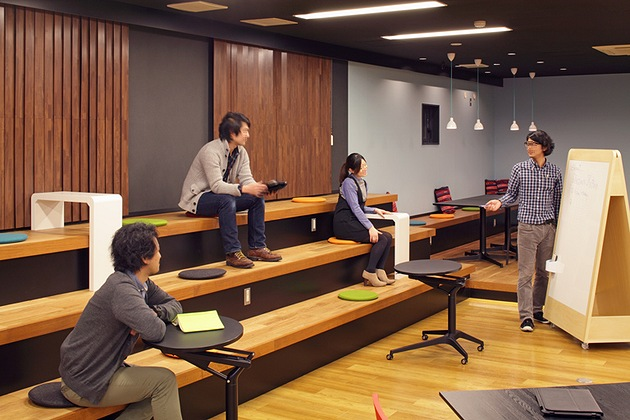 Nexon Co., Ltd./【Step area】The steps in this area can be used for casual meetings.