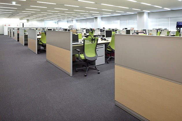 NEC Capital Solutions Limited/【Office area】A work area with a universal layout.