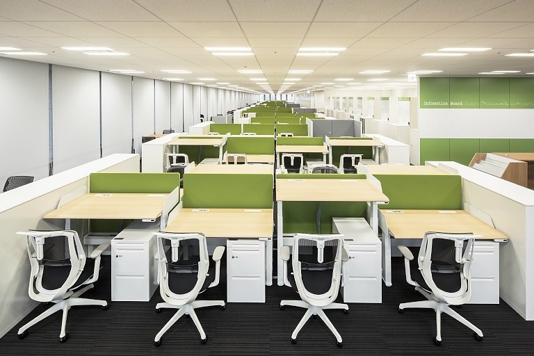Kanden Realty & Development Co., Ltd./【13F Work area】Work area color coordination varies by floor.